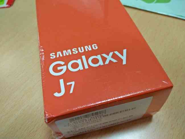 For sale: Samsung Galaxy J7 J7108 4G 16GB Dual sim (2016 version) - Gold