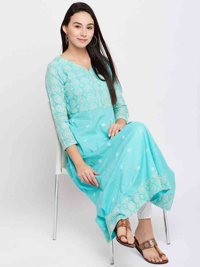 Buy Lucknow Chikankari Kurtis Online At Best Price