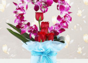 Send anniversary flowers to india in heart shaped
